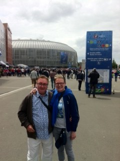 Malcolm and TLF en Lille, suitably refreshed.